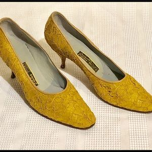 Real Vintage Gold Lace Fabric Brocade High Heels